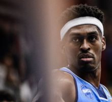 GeVi Napoli Basket, Sherrod: «Leggo la Bibbia e non scappo negli States»
